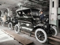 ford-old-assembly-line-1