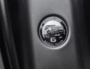 """Jeden """"G"""" ziert als Prüfsiegel eine Schöckl-Plakette am Fuß der B-Säule. Every """"G"""" bears a certification mark in the form of a """"Schöckl"""" badge at the base of its B-pillar."""