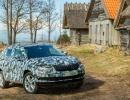2018-skoda-karoq-camouflaged-prototype-11