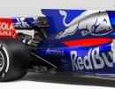 2017-toro-rosso-str12-f1-car-4