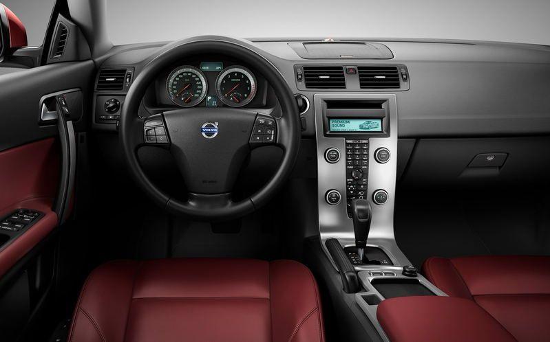 Volvo-C70-2010-2