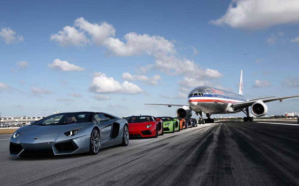 lamborghini-aventador-roadsters-take-over-miami-international-airport