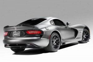 Viper-Anodized-Carbon-Special-Edition-Package-2