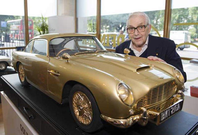 GOLDEN-ASTON-MARTIN-DB5-2