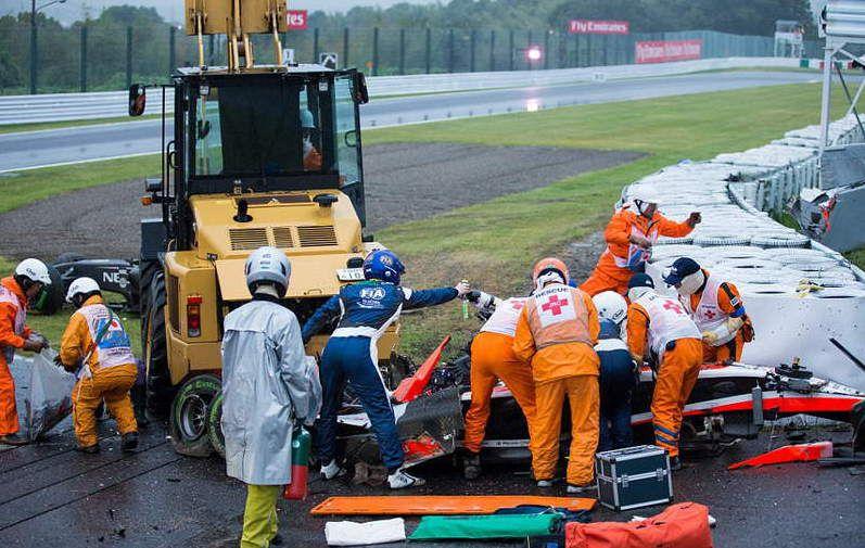 F1-GP-JAPAN-BIANCHI-CRASH-3