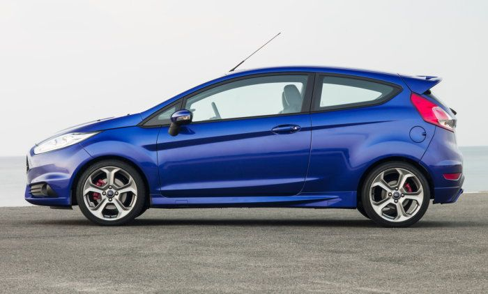 FORD-FIESTA-RS-2