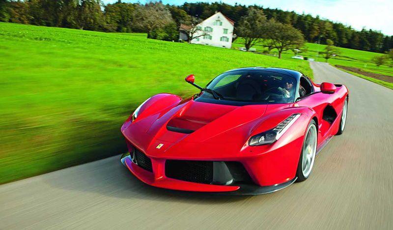 Ferrari-LaFerrari-Cornelia-Hagmann-2