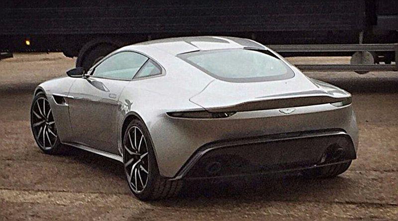 Aston-Martin-DB10-007-3