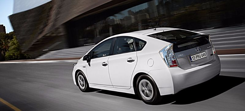 TOYOTA-PRIUS-PLUG-IN-ENDS-3