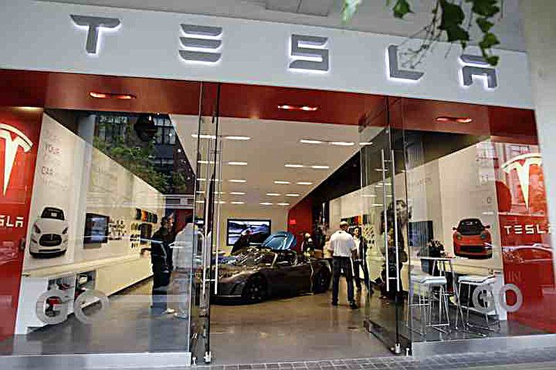 Tesla-Store-St-Louis