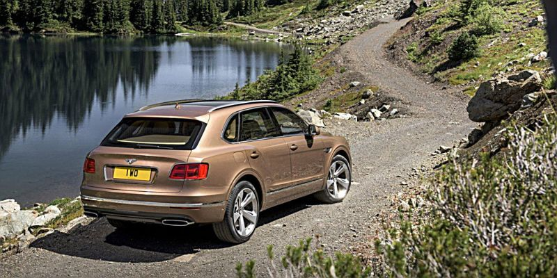 BENTLEY-BENTAYGA-2016-3A