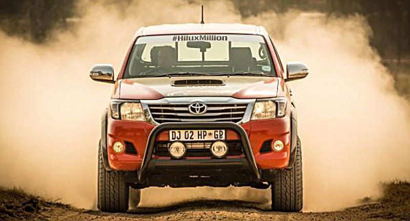 TOYOTA-HILUX-455-PS-2