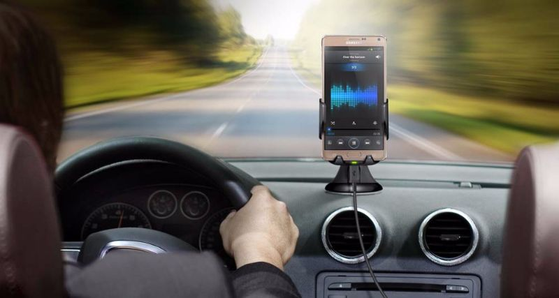 Charging a Smartphone While Driving (2)