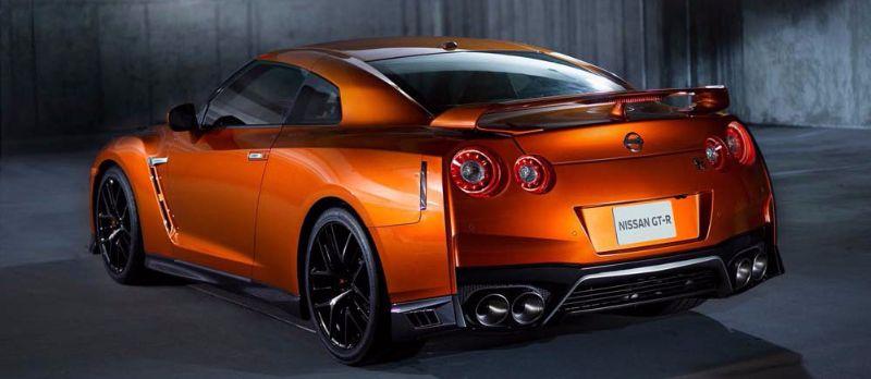 Nissan-GT-R-2017-1b