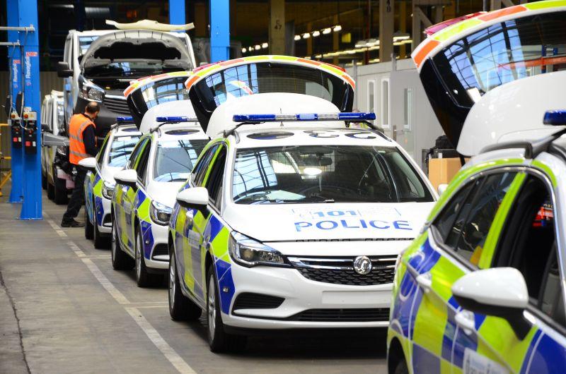 2016-vauxhall-police-cars-luton-2