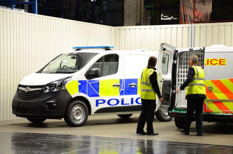 2016-vauxhall-police-cars-luton-3