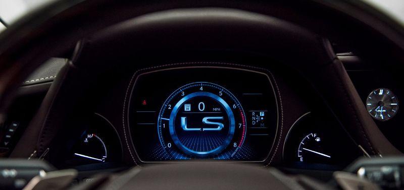 lexus-ls-2018-30