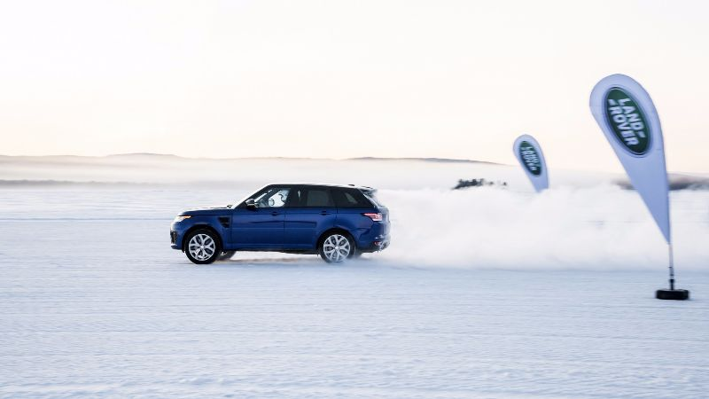 land-rover-range-rover-sport-svr-low-friction-surfaces-test (3)