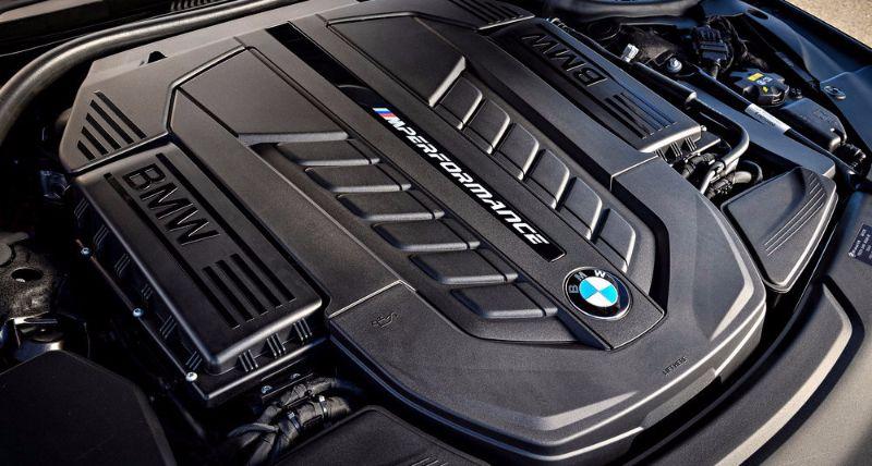 BMW-M760LI-XDRIVE (10)