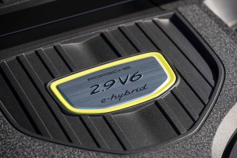 Porsche-Panamera4-EHybrid-08