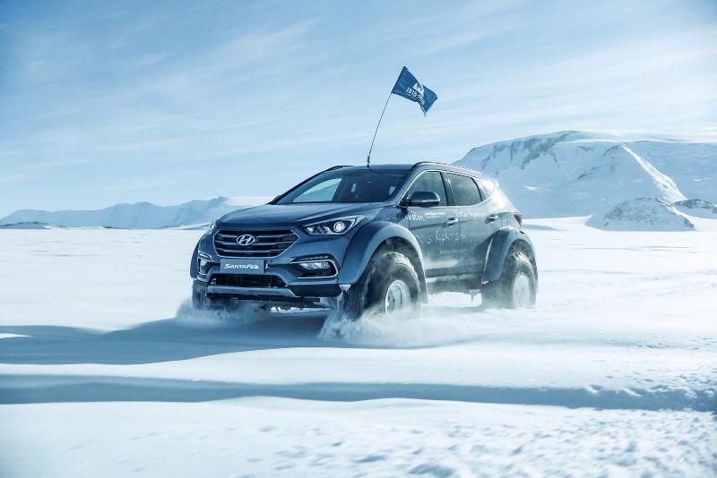 Hyundai-Santa-Fe-Antarctica-12