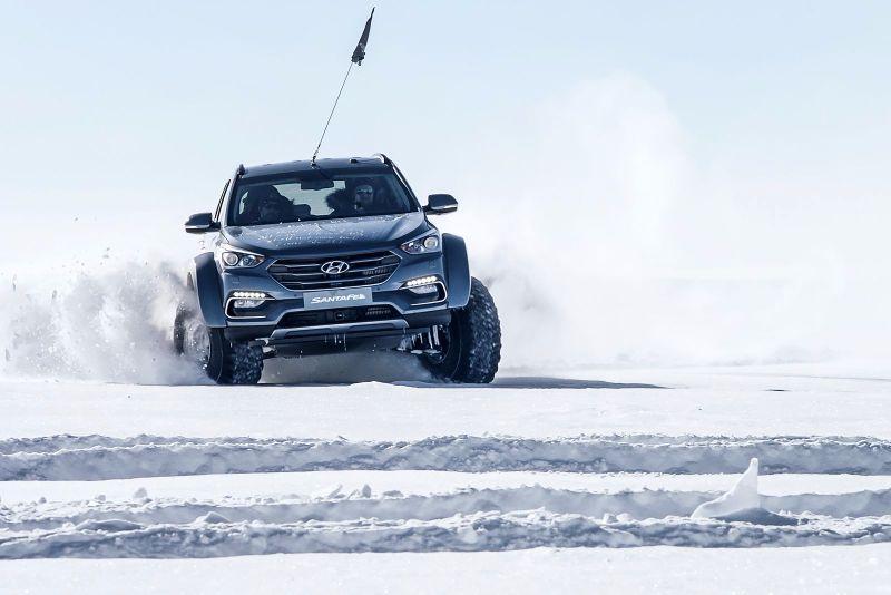 Hyundai-Santa-Fe-Antarctica-7