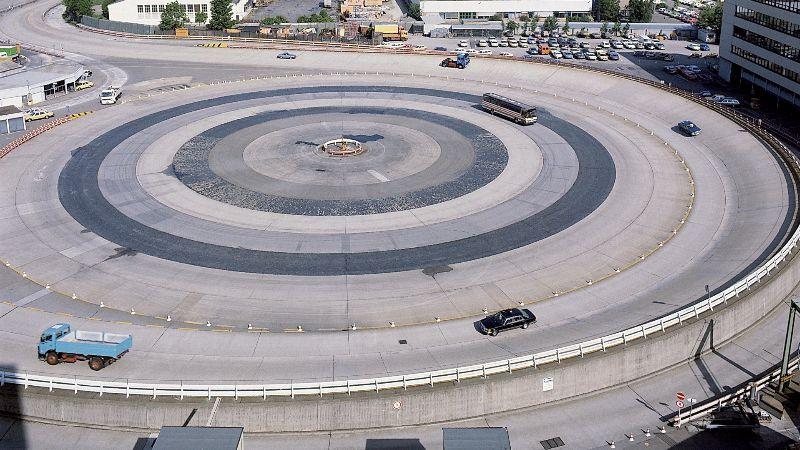 mercedes-benz-stuttgart-test-track (1)