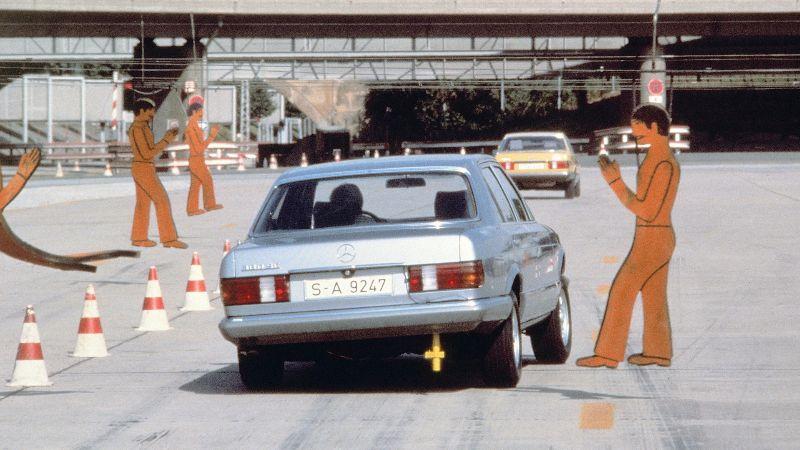 mercedes-benz-stuttgart-test-track (2)