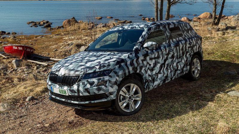 2018-skoda-karoq-camouflaged-prototype (5)