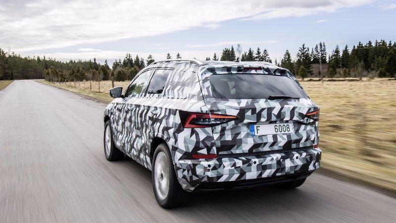 2018-skoda-karoq-camouflaged-prototype (6)