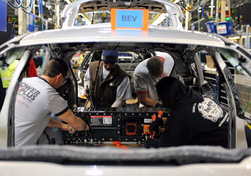 Ford-To-Cut-20000-Jobs-5