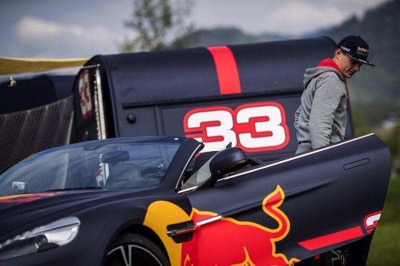 ricciardo-verstappen-race-their-camper-vans-austria-f1-track (1)