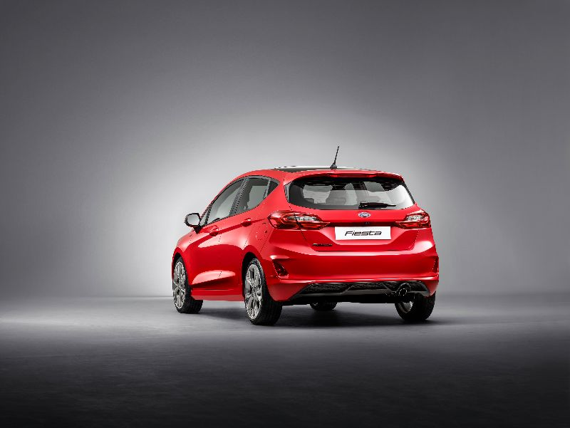 FORD_FIESTA2016_ST-LINE_34_REAR_02-LOW