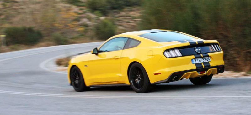 FORD-MUSTANG-GT-5 (35)