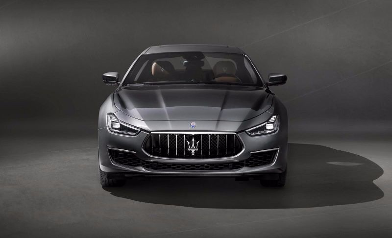 Maserati-Ghibli-GranLusso-2