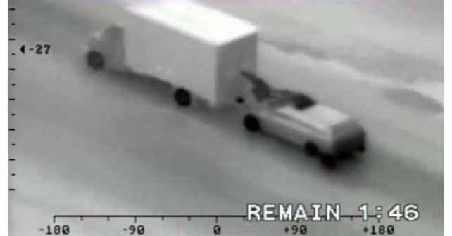 Thieves Steal iPhones From A Moving Truck