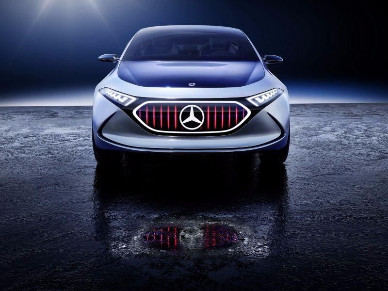 mercedes-eqa-concept-unveiled-12